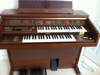 YAMAHA Electone FE-40 : 2 level electronic organ, VGC £150.00 ONO