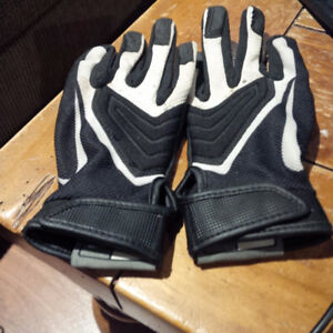 Nike Football Gloves Youth small