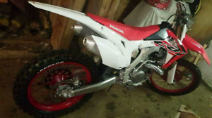 2015 crf 450r only 15.6hrs
