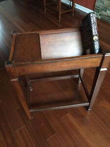 End table / book holder