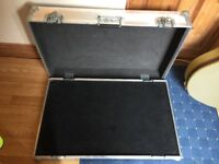 GUITAR PEDAL BOARD FLIGHT CASE - PRO GRADE - GOOD CONDITION - WITH LIFT OUT PEDAL TRAY