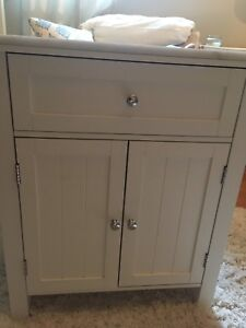 Storage vanity unit - White marble top - flawless - Will Deliver