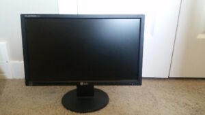 """LG Monitor 19""""-Excellent Condition"""