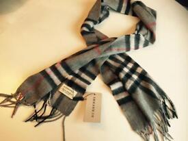 Burberry scarf 100% cashmere