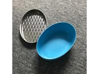 Grater container