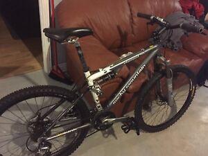 Vélo de montagne Rocky mountain element 70