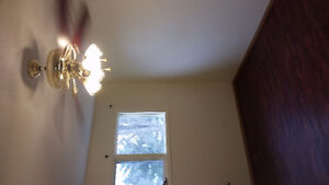 Two Bedrooms Townhouse for Rent Minutes walk to University