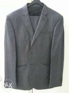 Mens suit fantastic design - impressive for interviews and offic