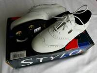 New boxed Women's golf shoes