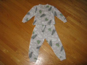 Pajamas for toddler two piece, size 3, great condition.