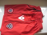 2 PAIRS FOOTBALL SHORTS - SHEFFIELD UNITED F.C. - 12-13yrs - (Kirkby in Ashfield)