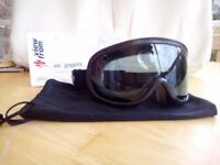 Skiing/snowboarding goggles Children's Age 8-14 Brand New £5