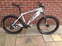 Updated Whyte 905 Mtb with extra set of wheels