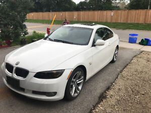 2010 BMW 3-Series 335xi Coupe (2 door)