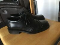 Men's like new clarks size