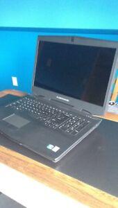 """Laptop Alienware 17"""""""