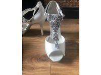 Jenny Packham bridal encrusted shoes new in box U.K. 8