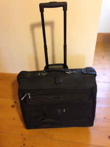 Garment bag on wheels in excellent condition