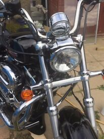 Harley-Davidson XL1200T - Sportster SuperLow 2015 - excellent condition - extras and features;