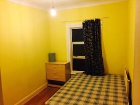 Girly rooms, no bills, £430 & £500 per month