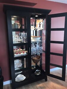 Stunning dining hutch / mirror and glass display cabinet