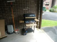 Gas BBQ with side shelves. £40. Bradford, low Moor