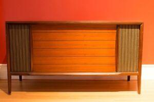 Meuble RCA Victor Phonographe et Radio