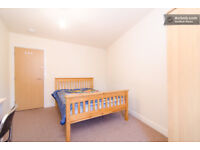 Big nice double modern room for £105p/w. Good location close to center and University.