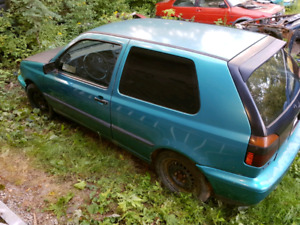 Parting out a 1993 2 door vw mk3 golf.
