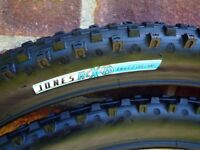 Bontrager mountainbike tyres 26 x 2.2
