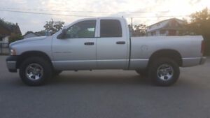 DODGE RAM 4X4  QUAD CAB *** CLEAN LOW KM *** CERTIFIED $9995