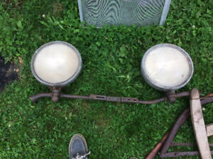 Barn find Two old headlights for sale