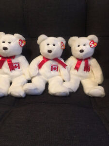 TY MAPLE the BEAR BEANIE BUDDY - MINT with MINT TAGS - CANADA EX