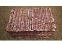 Picnic basket - free