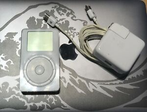 Original Scroll Wheel iPod, 5Gb