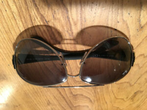Ray Ban aviator style fashion sunglasses