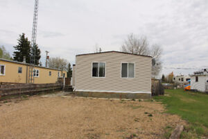 Great Starter Home or Rental Income opportunity in Glaslyn!