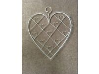 2 x 'shabby chic' heart style photo hangers