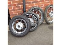 Wire wheels and tyres