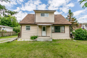 This cozy home is an affordable investment opportunity in Angus!
