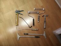 8 Various Carpenter / painter tools joblot: hammer glue sealant gun hammer rollers scrapers
