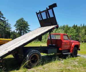 LOW MILEAGE F700 Ford 3 Ton Platform Dump Truck