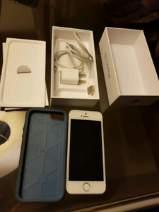 Iphone 5S 16 GB very good condition- Locked to virgin mobile