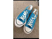Size 5 light blue converse all stars