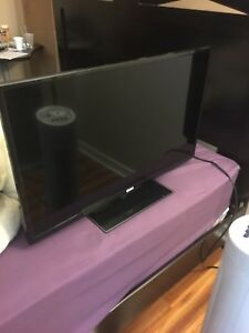 "32"" RCA LED FLATSCREEN TV"