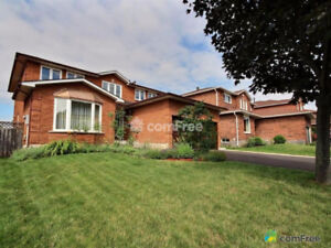 Executive Home-Fully Finished-Quiet Oakville Neighbourhood