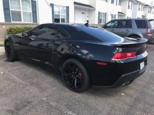 2015 Chevrolet Camaro SS Coupe - Low Kms -