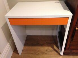 Micke IKEA (white) desk in excellent condition