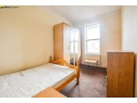 Spacious one bedroom apartment, Within walking distance of Manor House Underground station