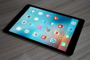 """Ipad pro 9.7"""" noir 32GB bon état avec garantie apple"""